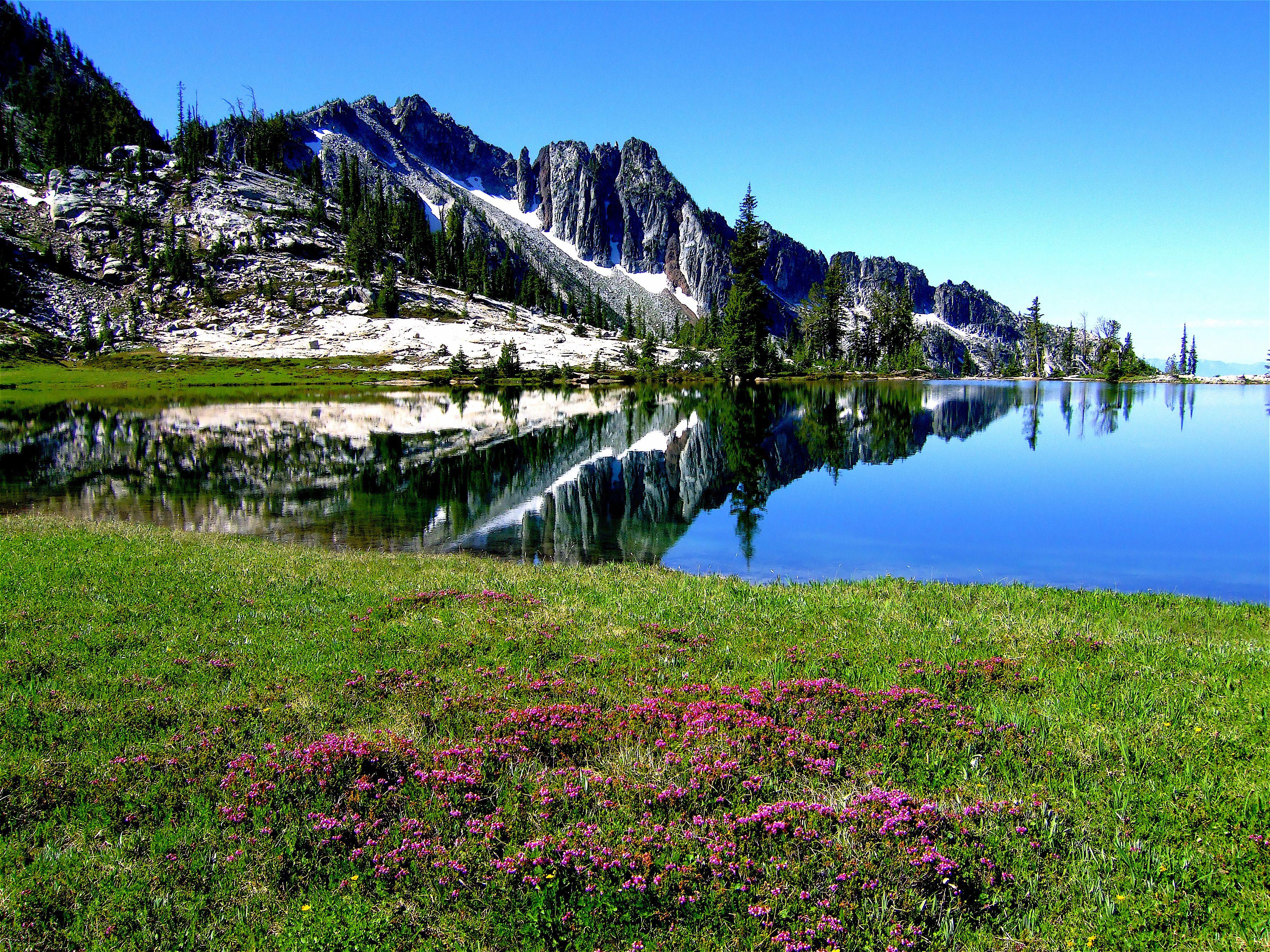 Eagle cap wilderness traverse lake