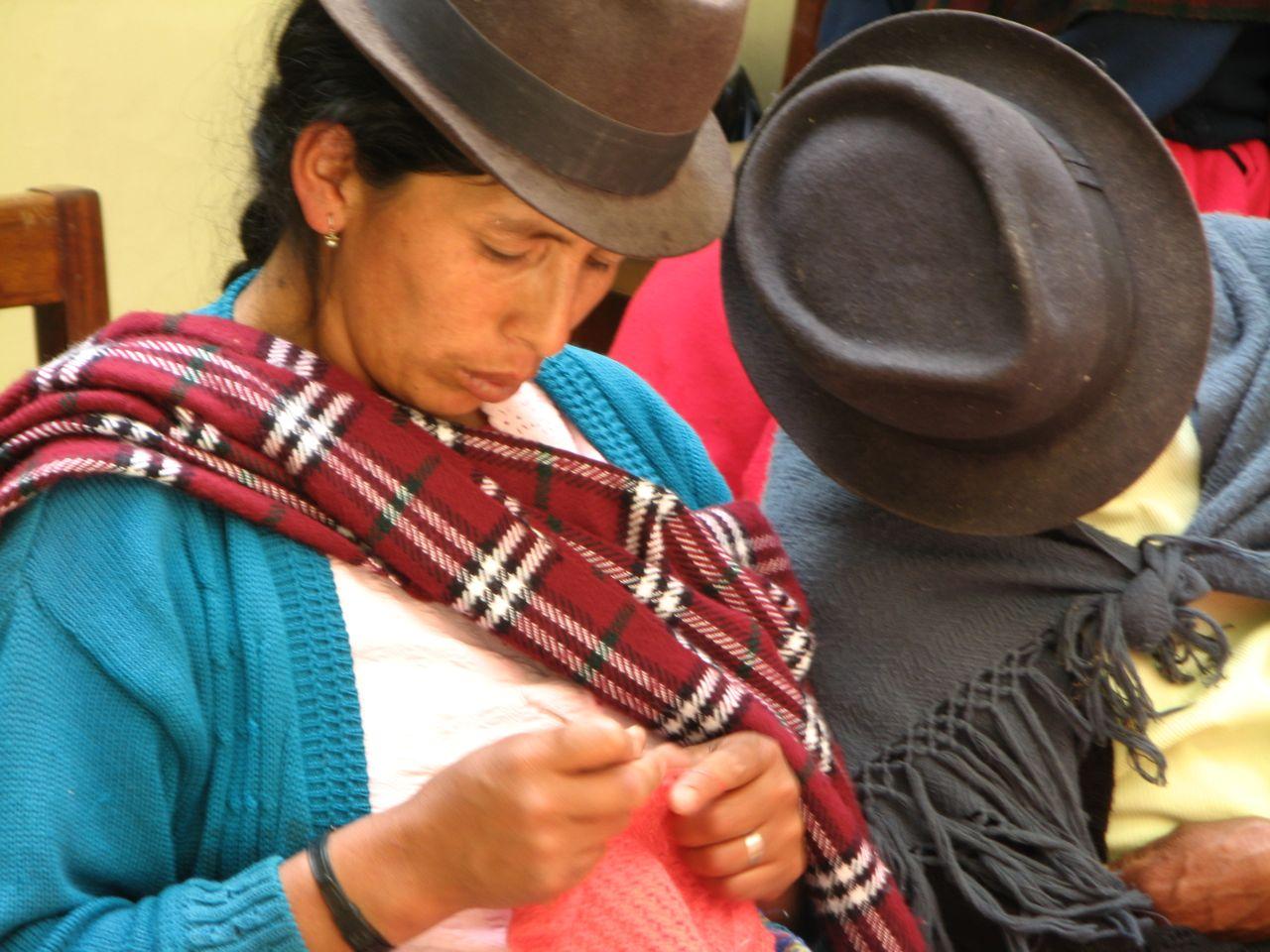 Ecudor quecha woman knitting