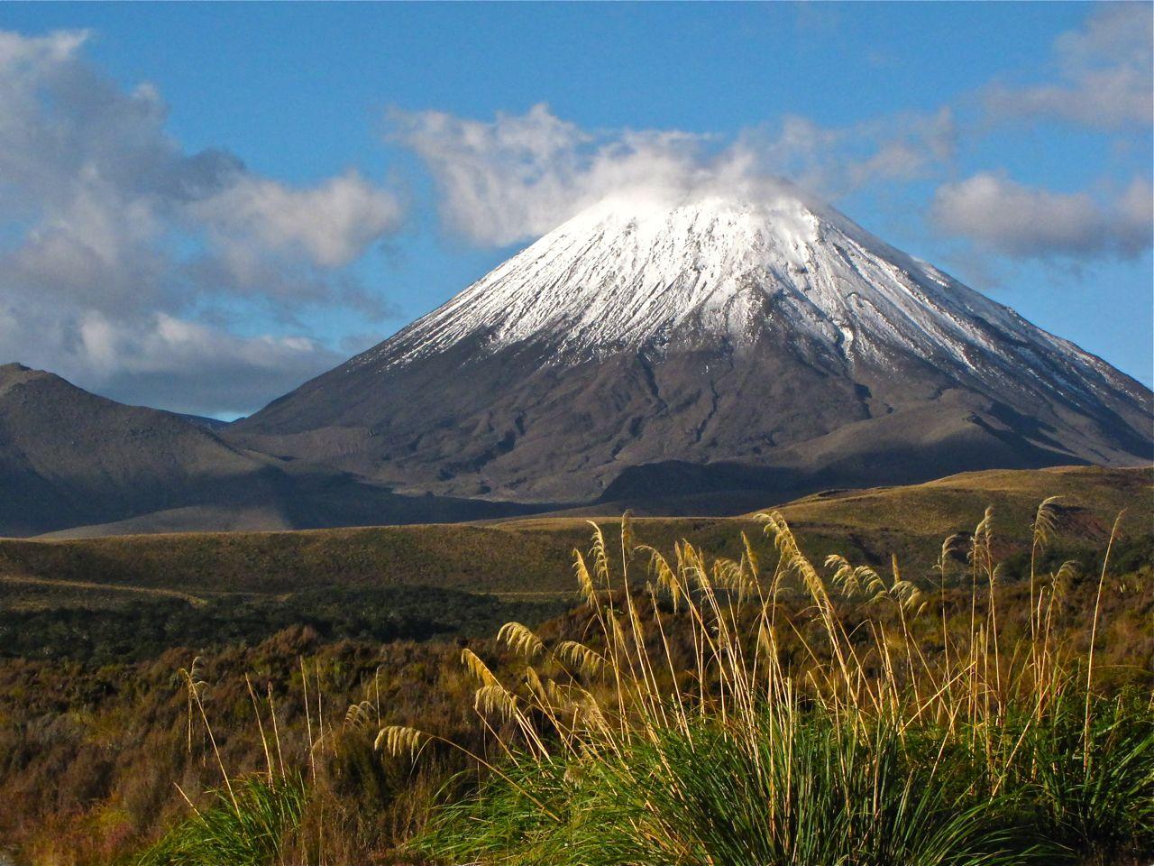 Tongariro national park mt ngauruhoe
