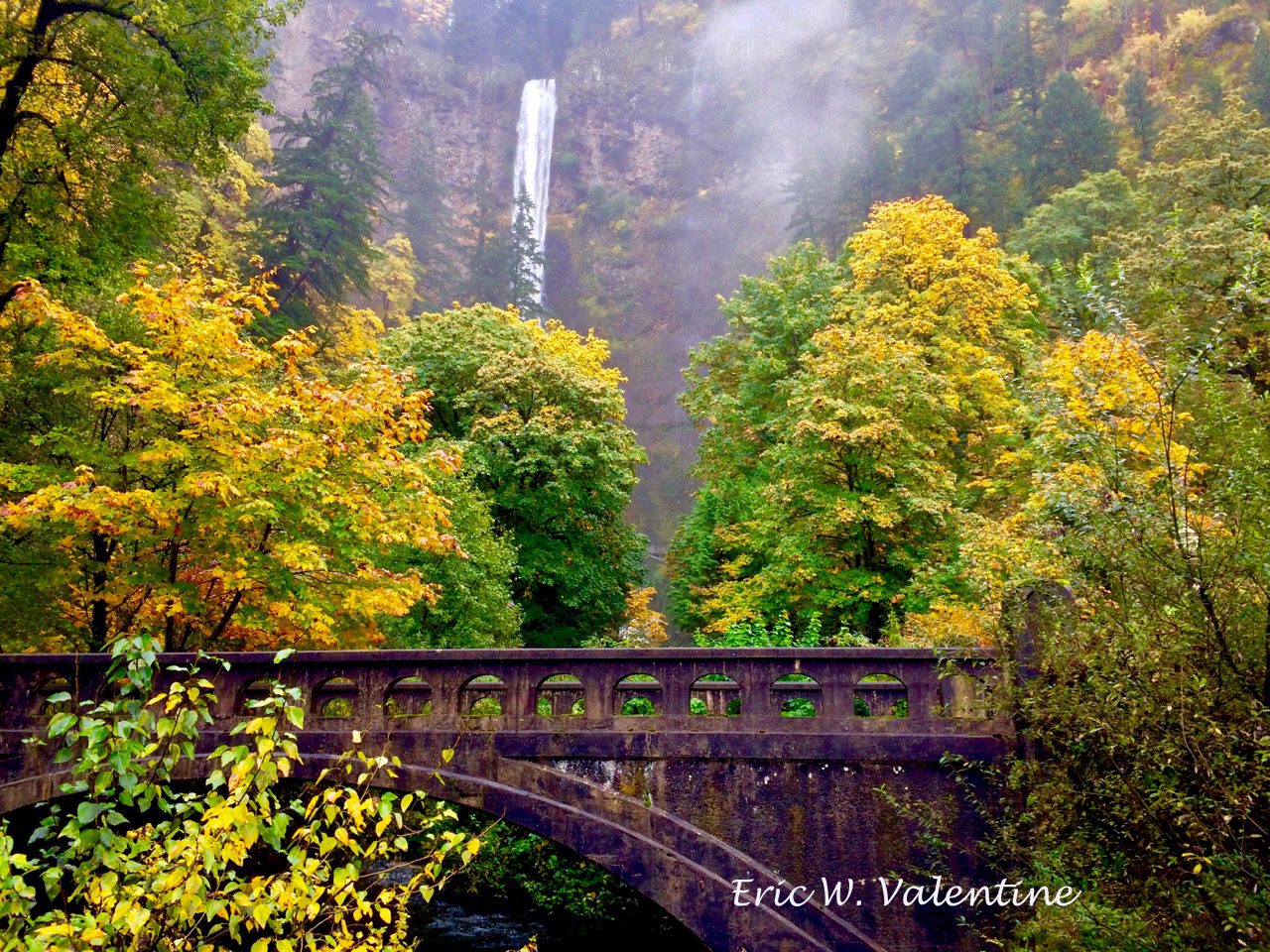 Multnomah falls fall