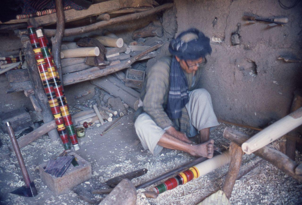 Afghanistan afghan craddle maker afghan craddle